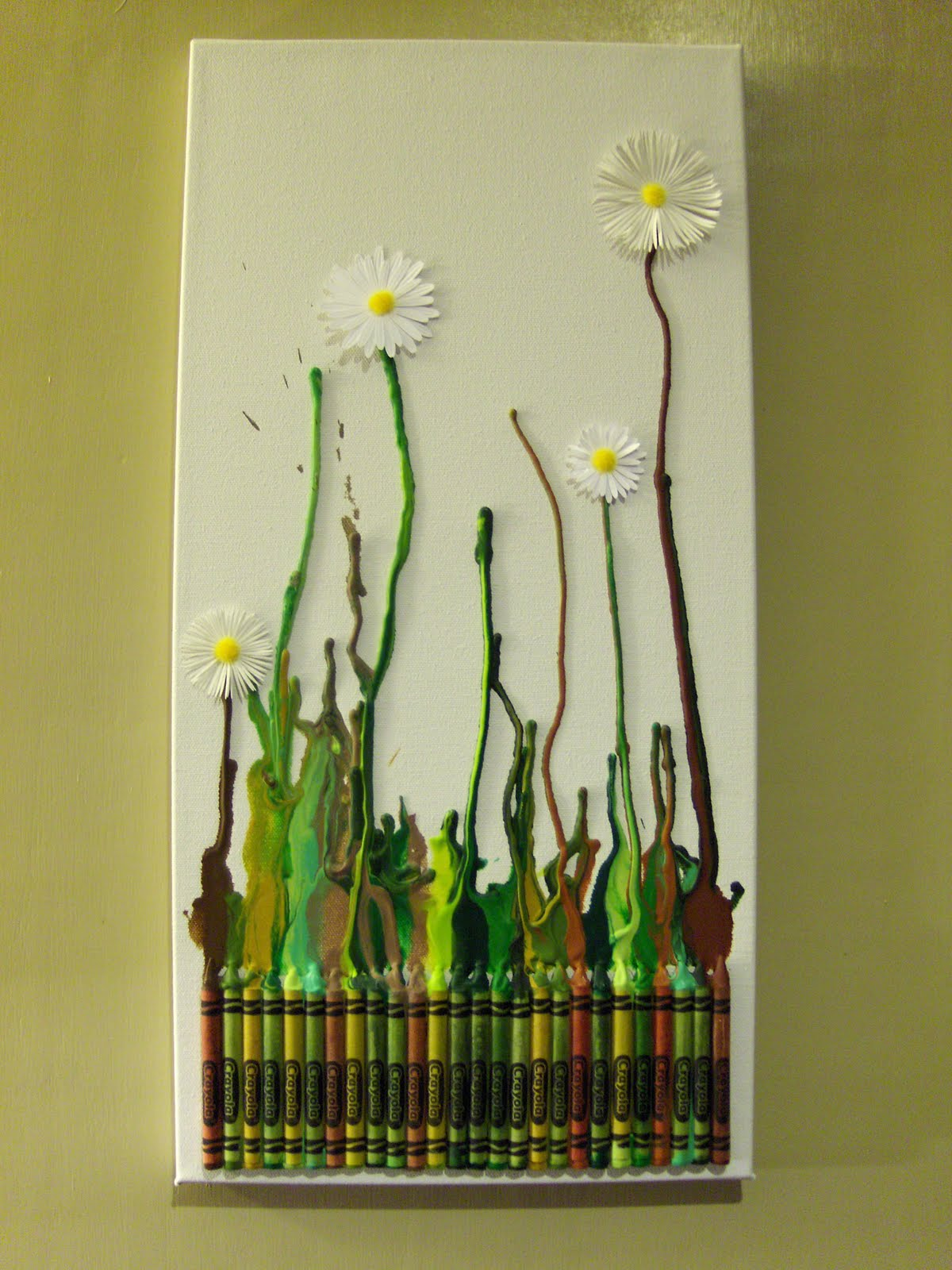 Daisy Art DIY from Crayons