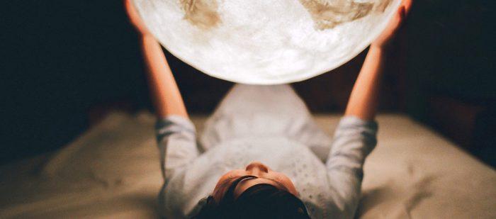The Elegant Luna Lantern Moon Light