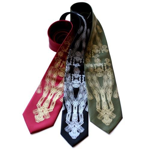 Macabre Mortician Gift Ideas: Black Plaque Tie