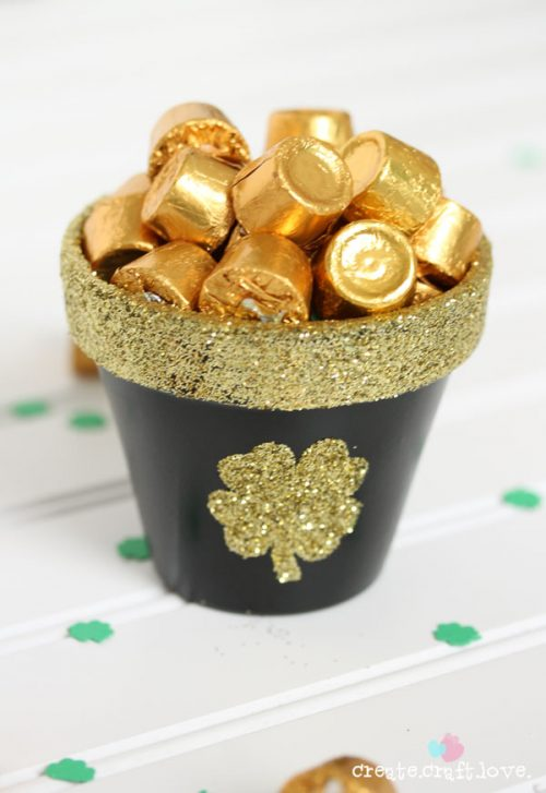 Fun pot o gold bowl for your St Patrick's Day party