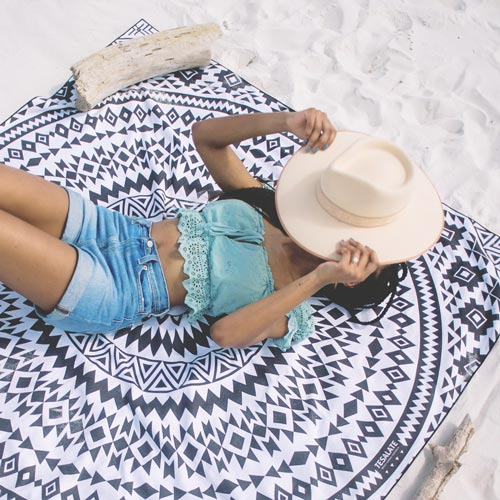 Beach Gifts: Sandless Towel