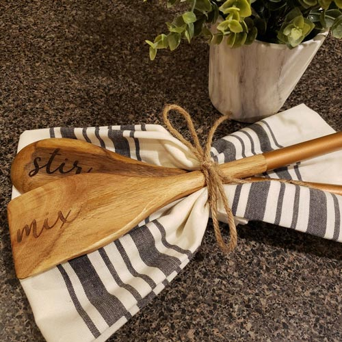 Stir-Mix Engraved Spoon and Towel Set