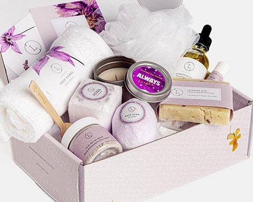 Occupational therapist gift idea: Relaxation gift basket