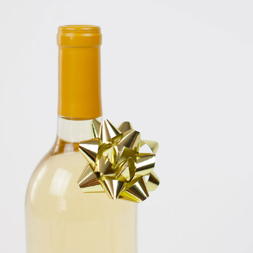 Wine is the perfect last-minute Christmas gift for mom