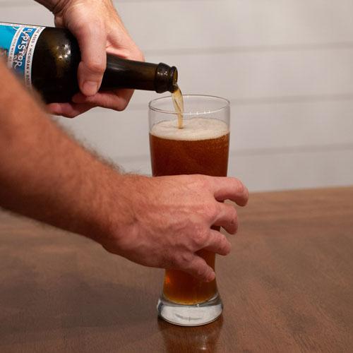 El Pastor Pouring & Tasting