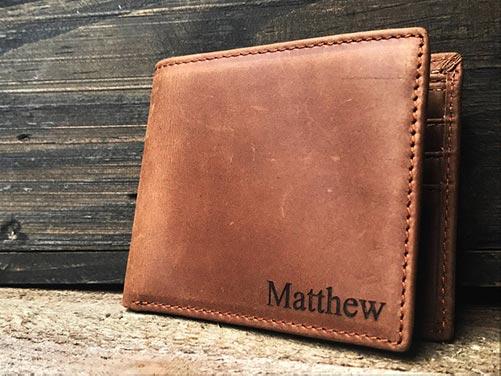 Laser-engraved leather men's wallet