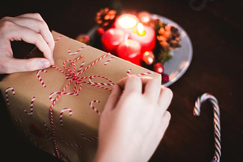 Do-it-yourself for left - right gift exchange