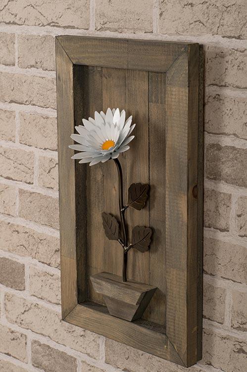 Wooden Framed Daisy