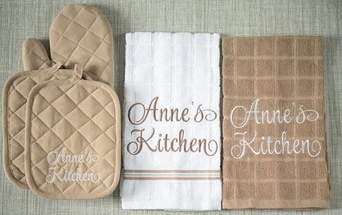 Personalized Kitchen Mitten Set