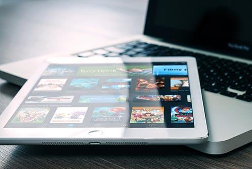 Virtual Date Night Ideas: Movie Night