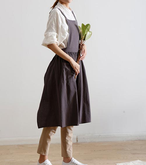 Adorable and Simple Pinafore Apron