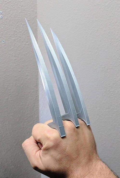 Wolverine Cosplay: Adamantium Claws